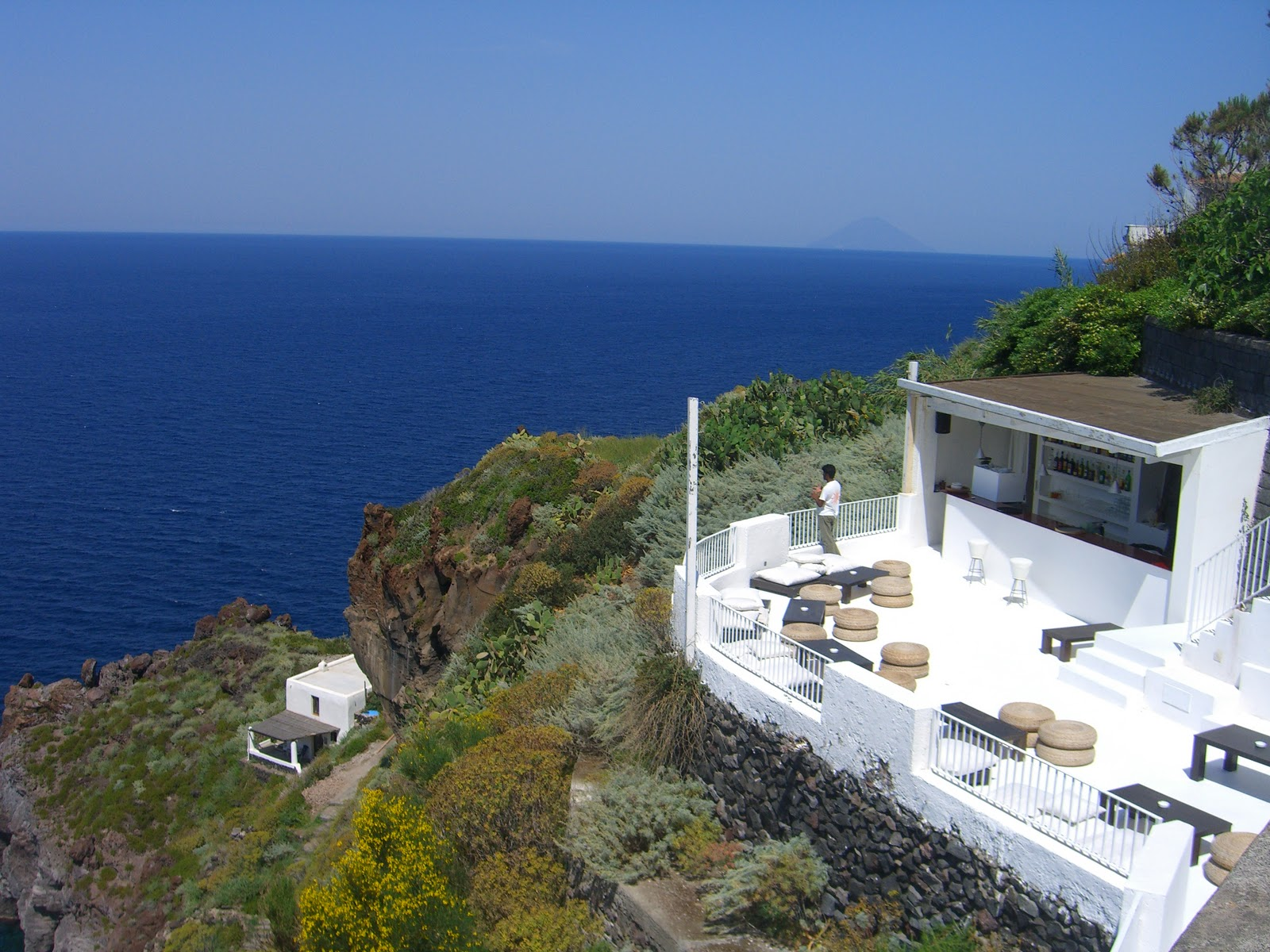 A dream on earth called isola di salina eolian islands for Salina sicily things to do